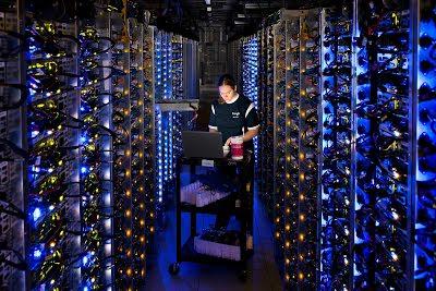 Manajemen pusat data yang efisien untuk membatasi risiko